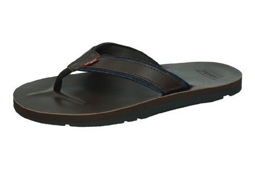 77126-0460 SANDALIAS LEVIS color MARRÓN OSCURO