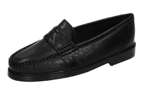 701 MOCASINES PIEL NEGRA color NEGRO