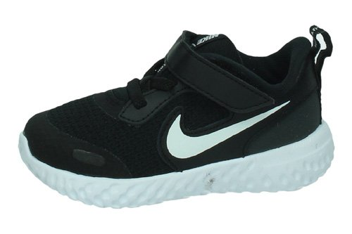 BQ5673 003 NIKE REVOLUTION 5 color NEGRO